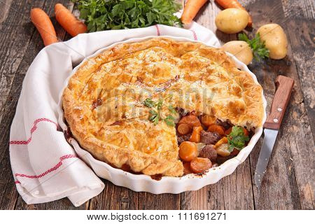 baked beef and carrot pie