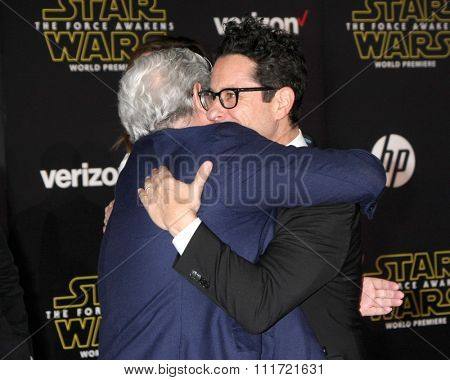 LOS ANGELES - DEC 14:  George Lucas, JJ Abrams at the Star Wars: The Force Awakens World Premiere at the Hollywood & Highland on December 14, 2015 in Los Angeles, CA