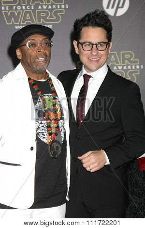LOS ANGELES - DEC 14:  Spike Lee, JJ Abrams at the Star Wars: The Force Awakens World Premiere at the Hollywood & Highland on December 14, 2015 in Los Angeles, CA