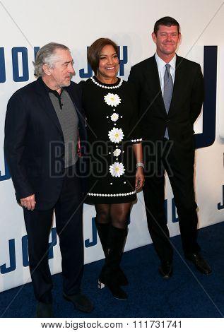 NEW YORK-DEC 13: Actor Robert De Niro, model Grace Hightower and businessman James Packer attend the