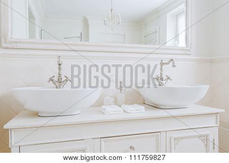 Ecru Washbasins For Big Family