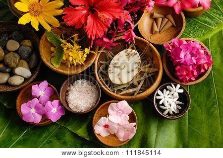 Tropical flower Spa set-leaf background