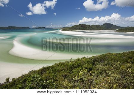 View from Hill Inlet of the waters and swirling sands of Whitsunday Island in Queensland, Australia