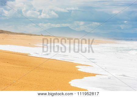 Long Sand Atlantic Beach With Ocean Waves