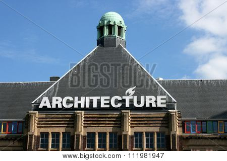 Pyramidal Roof