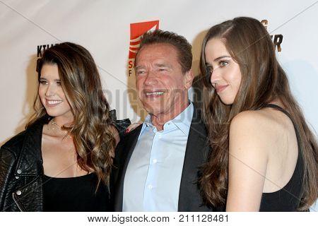 LOS ANGELES - OCT 14:  Katherine, Arnold Schwarzenegger, Christina Schwarzenegger at the