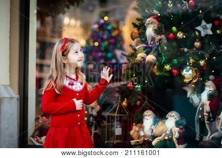 Kids Window Shopping. Christmas Presents. Xmas Gifts.