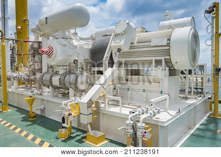 Gas booster compressor in gas vapor recovery unit of oil and gas central processing platform to reduce loss light end gas in process.