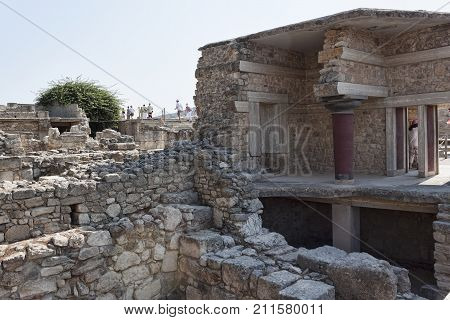 Ruins Of Knossos Palace, South Of Heraklion - Very Popular Among Tourists Visiting Crete
