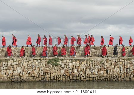 17Th September 2017 St Andrews University Pier Walk By Students In Their Red Gowns