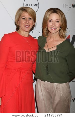 LOS ANGELES - OCT 26:  Sharon Waxman, Sharon Lawrence at the Power Women Breakfast L.A. at the Montage Hotel on October 26, 2017 in Beverly Hills, CA