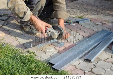 cut cornice grinder metal square for drywall