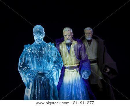 Progression of Force Ghost for Jedi Master Obi Wan Kenobi, using Hasbro Black Series action figures