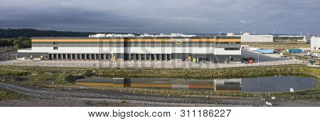 Avonmouth Uk - July 13, 2019: Amazon Warehouse & Distribution Centre Building Handles Online Shoppin