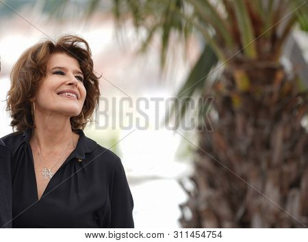 Fanny Ardant attends the photo-call of the movie