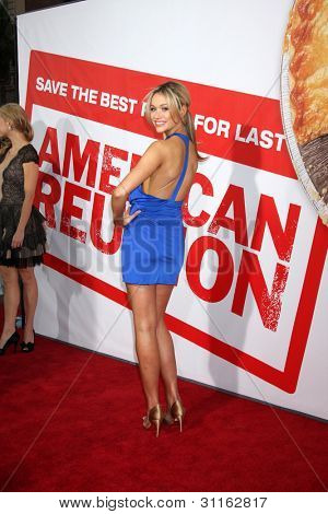 LOS ANGELES - MAR 19:  Katrina Bowden. arrives at the