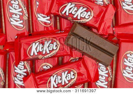South Carolina, Usa November 2016. Illustrative Editorial Image Of  Kitkat Chocolate Candy Bar Backg