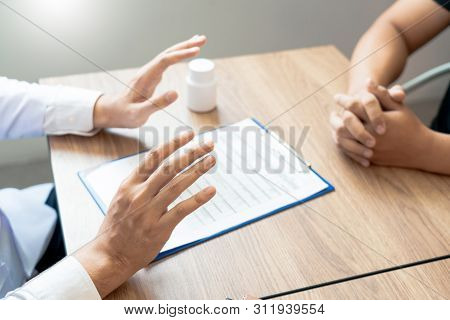 Doctor Or Pharmacist To The Intention Of The Making Stop Prohibition Of Drugs To Patient