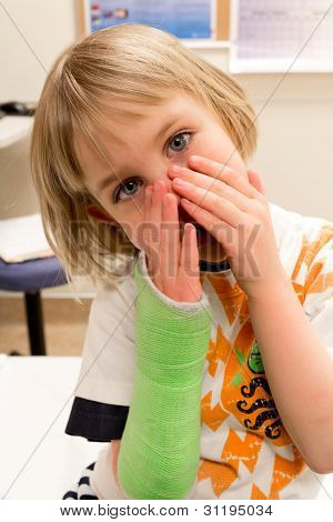 Girl Waits to Have Cast Removed
