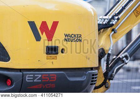 Belgrade, Serbia - January 30, 2021: Wacker Neuson Logo On One Of Their Machinery Engine, An Excavat