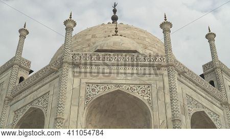 Agra, India - March, 26, 2019: Close Shot Of The Taj Mahal In Agra