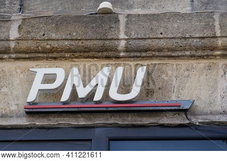 Bordeaux , Aquitaine France - 03 03 2021 : Pmu Logo Brand And Horse Sign Text On Store Front Of Fren