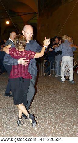 Bologna - Italy - November 27, 2014: Dancing Tango In Historic Street Center Of Bologna, Italy.