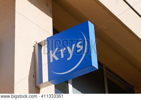 Bordeaux , Aquitaine France - 02 25 2021 : Krys Optical Brand Logo Blue And Text Sign On Optician Sh