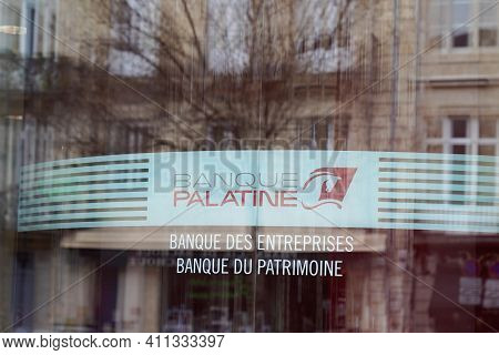 Bordeaux , Aquitaine France - 03 03 2021 : Banque Palatine Logo Brand And Sign Of French Office Bank