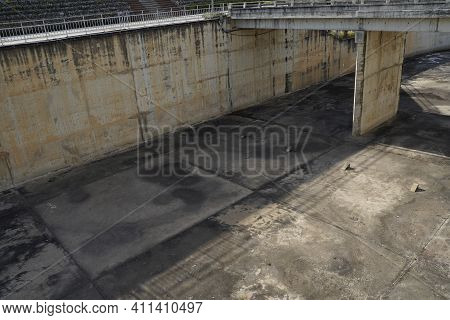 Old Dam Be Stained With Gray Blot On Cement.dam Dry Because No Rain Fall Into Dam.construction In Th