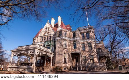 Pittsburgh, Pennsylvania, Usa March 5, 2021 The Clayton Mansion In The Point Breeze Neighborhood. Bu
