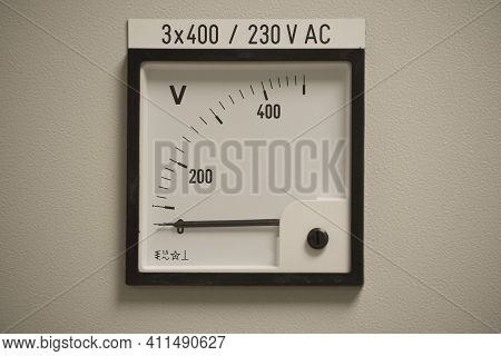 Volts And Voltage In Electricity