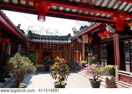 Hoi An, Vietnam, March 8, 2021: Courtyard Of A Taoist Temple In Hoi An, Vietnam