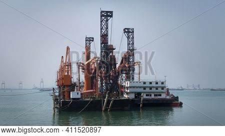 Two Vessel Of Self-unloading Bulk With Belt Conveyer Carrier Stiuated With Tugboat On Sea.