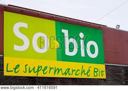 Bordeaux , Aquitaine France - 03 03 2021 : So Bio Supermarket Grocery Shop So-bio Store Logo Brand A