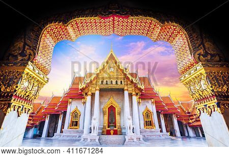 Amazing Thailand Tourist Religion Attractionswat Benchamabophit Or Marble Temple In Bangkok, Thailan