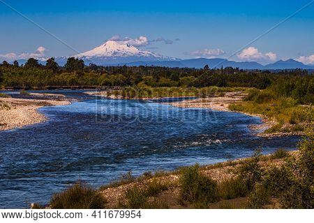 Volcano Osorno Viewpoints Blue Water Cabulco Villarica Chile Volcan Thaw River Snow On Top Chile Pue