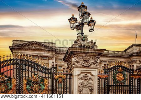 The Buckingham Palace gate in London
