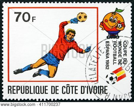 Ivory Coast - Circa 1981: A Stamp Printed In Ivory Coast Shows Goalkeeper In Action, Espana 82 World