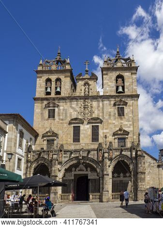 Braga, Portugal ; August 2020 : The Cathedral Of Braga (se De Braga) Is One Of The Most Important Mo