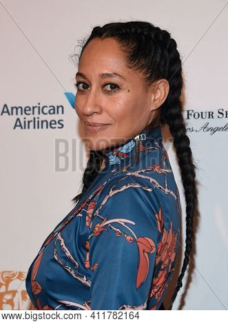 LOS ANGELES - JAN 07:  Tracee Ellis Ross arrives for  2017 BAFTA Tea Party on January 07, 2017 in Beverly Hills, CA