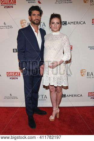 LOS ANGELES - JAN 7:  Raza Jaffrey and Lara Pulver arrives for  BAFTA Los Angeles Tea Party 2017 on January 07, 2017 in Beverly Hills, CA