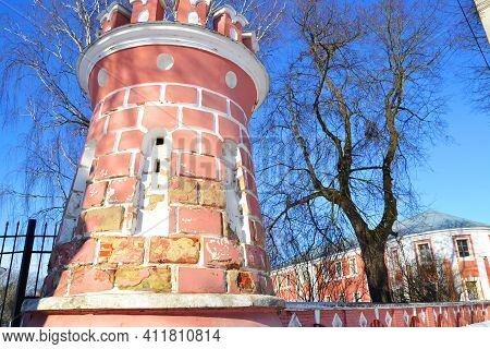 In The Estate Of The Goncharovs In Yaropolets 1751-1755 . Fortress Brick Towers With Battlements.