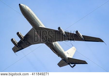 Israeli Air Force Boeing Kc707 Re'em Tanker Aircraft In Flight Over Norvenich Air Base. Germany - Au