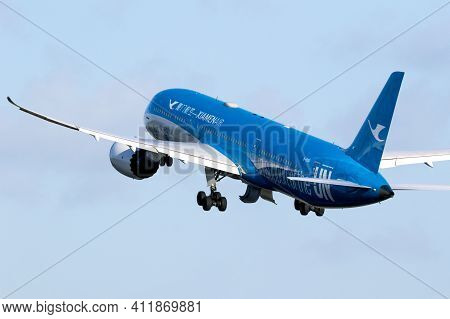 Amsterdam, The Netherlands - Jan 9, 2019: Xiamen Airlines Boeing 787-9 Dreamliner Passenger Plane Ta