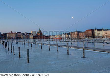 Finland, Helsinki, March 3, 2021      Dawn, Spring Panorama Of Helsinki, View Of The Katajanokka And