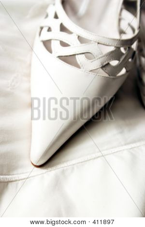 White Pointed Shoe