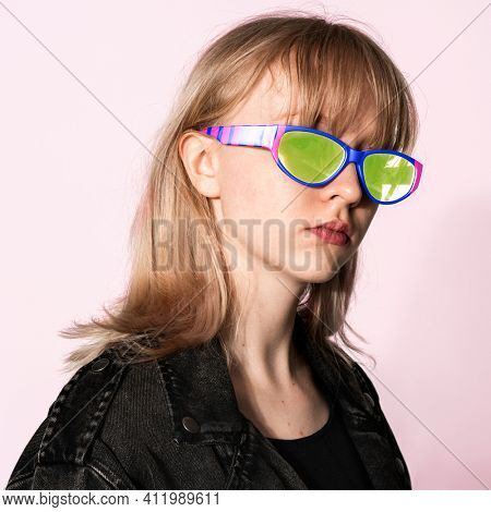 Teenage girl with 3D glasses for youth apparel photoshoot