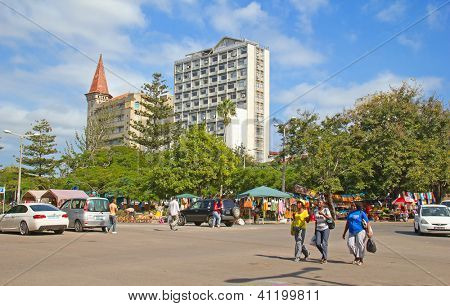 MAPUTO, MOZAMBIQUE?? - APRIL 29: Unidentified people on the Market in Maputo, Mozambique on April 29, 2012. The local market is popular among locals and is one of the tourists attraction of the city.