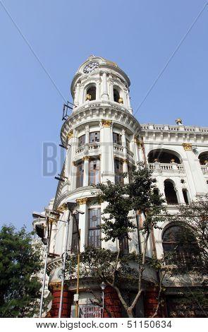 KOLKATA, INDIA - NOV 24: Esplanade mansions built during the British colonial era when Kolkata was the capital of British India on Nov 24, 2012 in Kolkata, India.